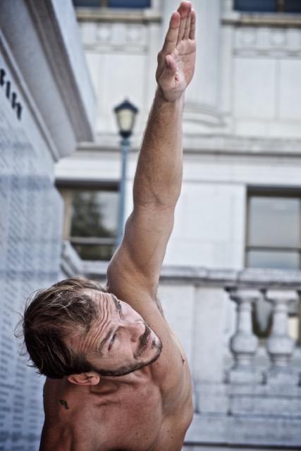Riccardo-Ruggeri-insegnante-yoga