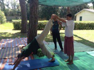 Yoga assistito con Fabio Filippi a Livorno